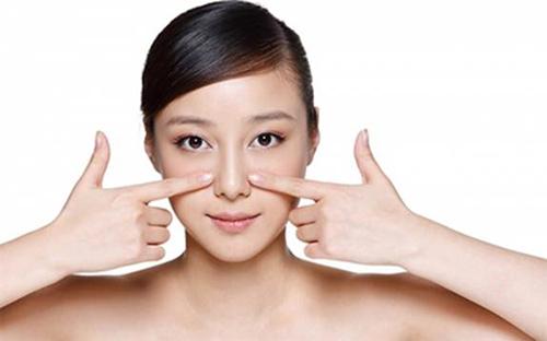 Bóp cánh mũi là cách làm mũi nhỏ lại mà không cần phẫu thuật