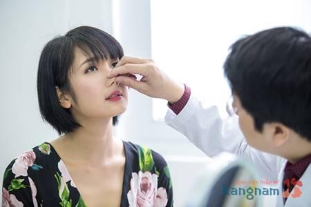 phẫu thuật nâng mũi mất bao lâu 2