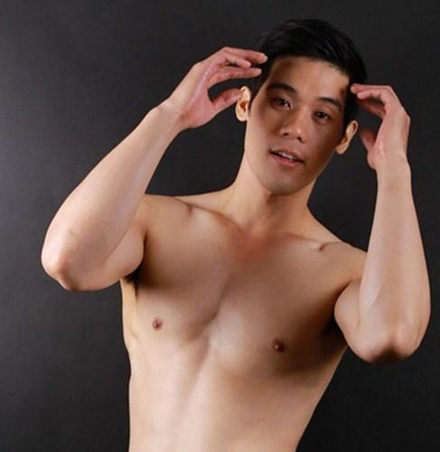 hot-boy-xe-om-lo-anh-phau-thuat-tham-my-sua-mui-lech (1)